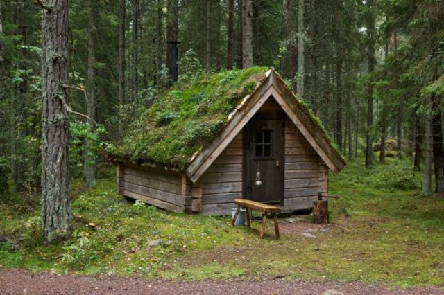 unique_cabins_in_the_woods_640_45